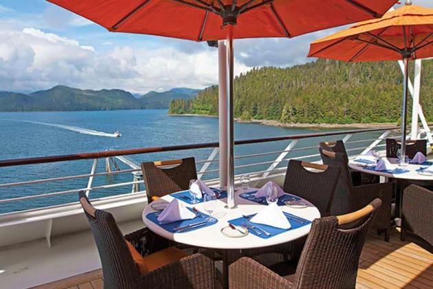 Café på kryssningsfartyget Oceania Insignia