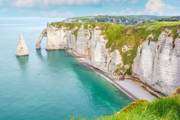 Etretat vid Normandie-kusten